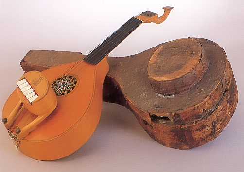 NNM 1292. English guitar by James N. Preston, London, ca. 1765