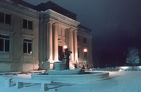 The NMM on a winter evening in 1987