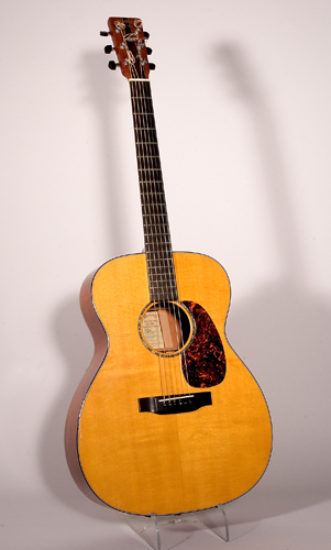 NMM 10886.  Guitar by C. F. Martin & Co., Nazareth, Pennsylvania, 2001.