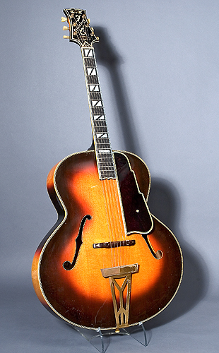 NMM 10863.  Guitar by Elmer Stromberg, Boston, 1946