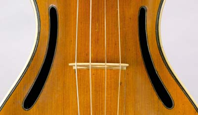Chanot violin soundholes